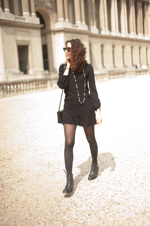 Robe noire chic rock