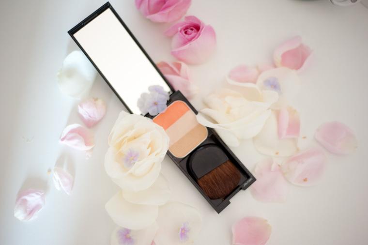 rehausseur-visage-trio-shiseido