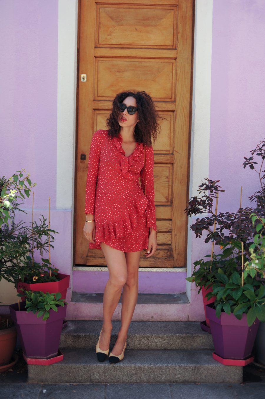 la-petite-robe-rouge-paris